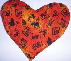 kirschenstein-herz-orange-rot-mit-afrikanischen-100-baumwolle